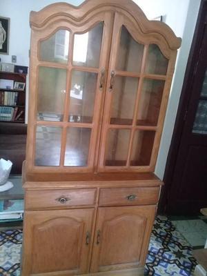 Se vende mueble en buen estado,altura 1.8,5, ancho 90 cm,