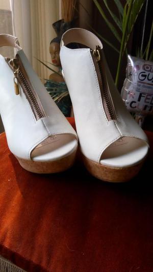 Ocasion Lindos Zapatos de Cuero Nuevos