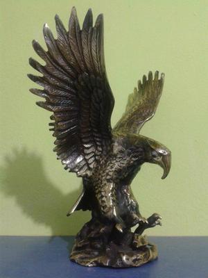 Aguila Cazadora De Bronce Grandota.........110 Soles