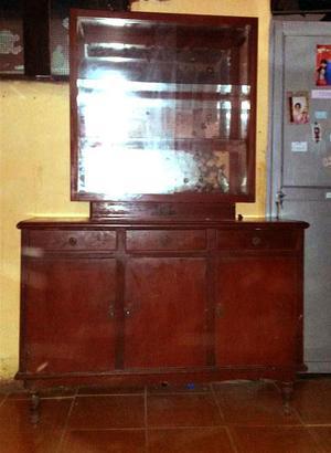Remato vitrina de madera 130 soles