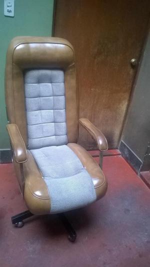Vendo silla giratoria gerencial grande