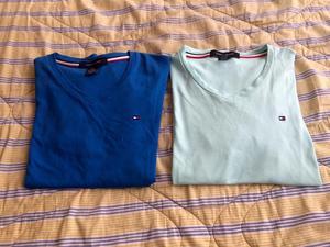 Polo Tommy Hilfiger Cuello V Azul Y Verde Agua Talla S en