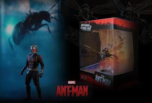 ANT MAN ON FLYING ANT MINIATURE COLLECTIBLE / HOT TOYS /