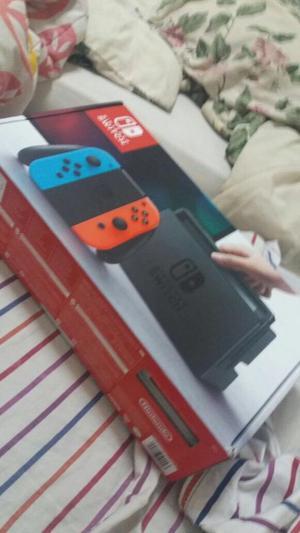 Vendo Nintendo Switch + 2 juegos