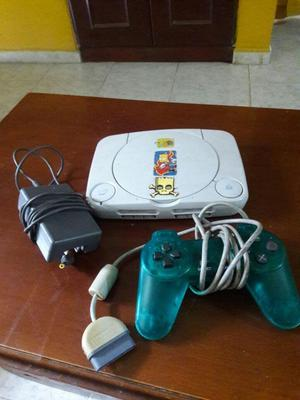 Play 1 con accesorios y 2 mandos