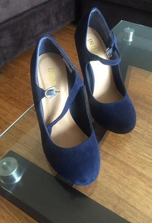 Zapatos Lindos Azules de Gamusa Talla 34