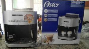 Cafetera semiautomática espresso y cappuccino Oster®