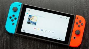 Nintendo switch con FIFA 18, rayman, monster Hunter xx y