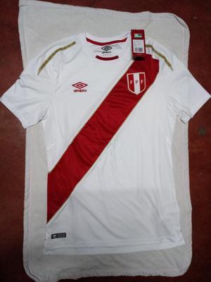 Polo Umbro de La Seccion Peruana