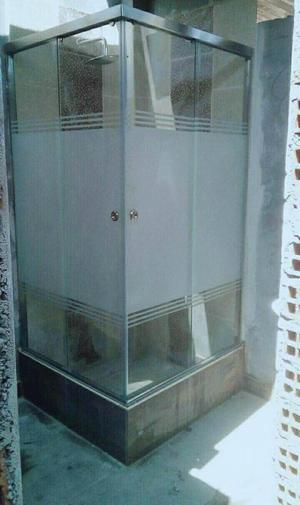 modernas puertas de ducha en vidrio templado, instalados a