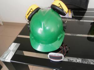 casco de seguridad MSA y orejeras PELTOR 3M