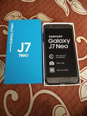 Samsung Galaxy J7 Neo en Caja