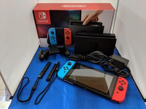 Nintendo switch color negro con accesorios completos