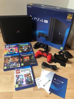PS4 color negro con accesorios completos