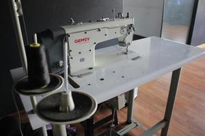 Maquinas de coser en perfecto estado