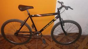 Vendo Bicicleta Montañera aro 26 llantas nuevas.