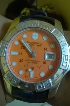 Reloj Victorinox Swiss Army V