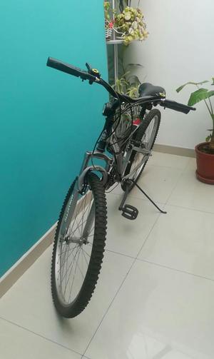 Bicicleta MONARETTE Aro 26 Negro, Incluye CASCO