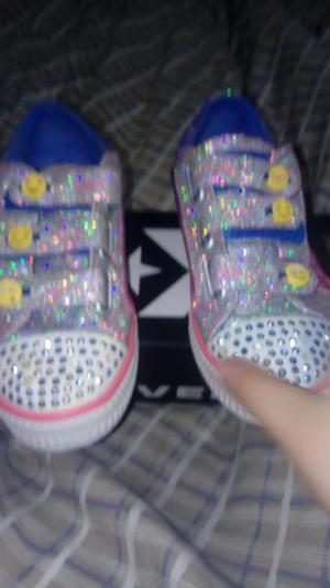 Vendo Zapatillas de Niña Marca Skechers
