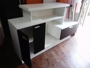 Muebles de Melamine. Ropero, Mesa de Tv