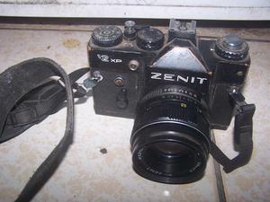 camara fotografica zenit antigua
