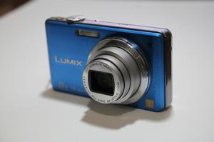Cámara Lumix Panasonic 14 MP azul eléctrico REGALO MEMORIA