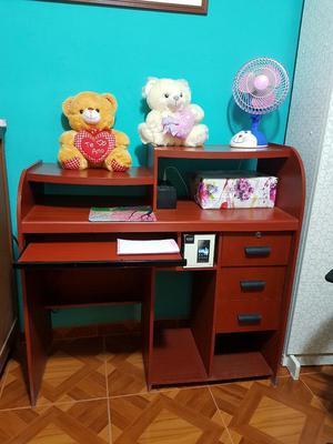 Vendo Mueble para Pc Más La Silla