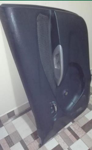 plastico protector de puerta copiloto yaris