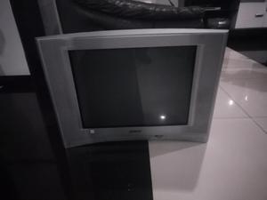 Tv Sony Trinitron 24''