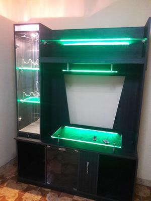 Mueble de TV, Equipo de sonido y Minibar