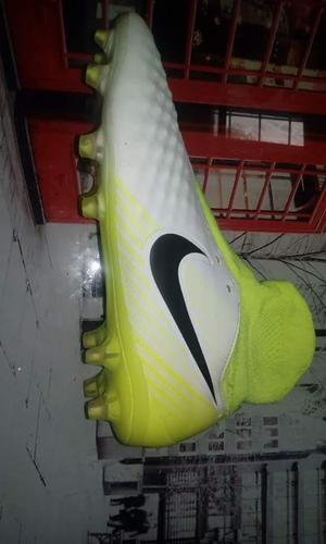 Chimpunes Nike Magista Orden II Talla 9.5 US