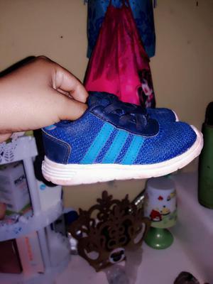 Vendo Zapatillas Adidas Talla 22