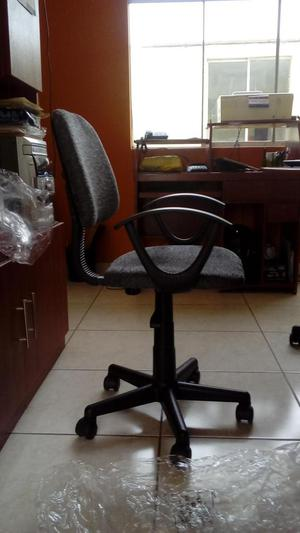Sillas De Oficina, Ergonómica, Con Amorticuador, 4 X S/.399