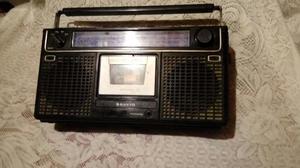 Antigua Radio Grabadora Sanyo para Colec