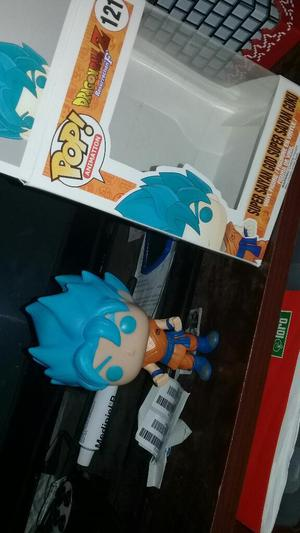 Funko Pop Super Saiyan God Goku 45 Soles