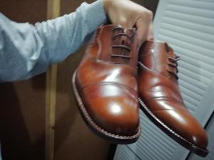 Se Venden 02 Pares de Zapatos Elegantes