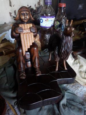 Caballos Hechos en Madera de Cedro
