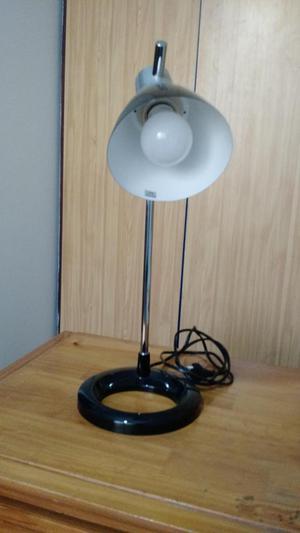 Lámpara de escritorio para joven