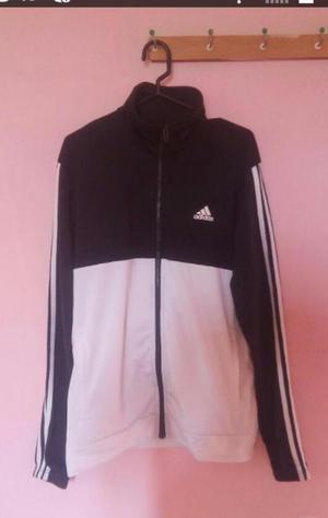 Vendo Casaca Adidas Original Talla M