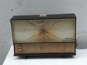 Antigua Radio Reloj Silvertone Funciona