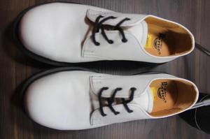 e7cfcff500f Zapatos dr martens en talla 37 color blanco tal como se ve