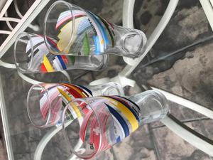 Juego de 12 Vasos de Vidrio con banderas del mundo