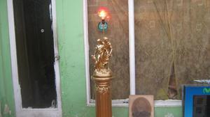 Antigua Lampara Con Pedestal