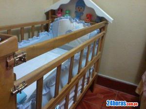 De ocasión! Cama cuna con colchón Baby Kit´s y parante