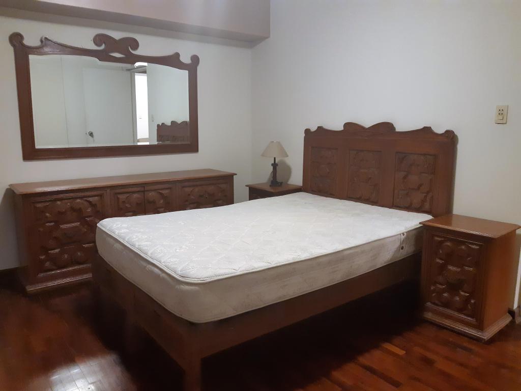Juego De Dormitorio En Madera Cedro 2 plazas/ vELADORES,