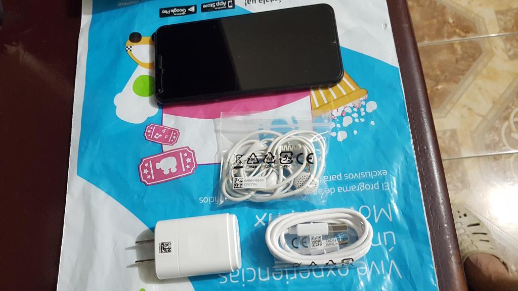 LG Q6 Negro 32 Gb 9.9 de 10 Libre Garantía Accesorios