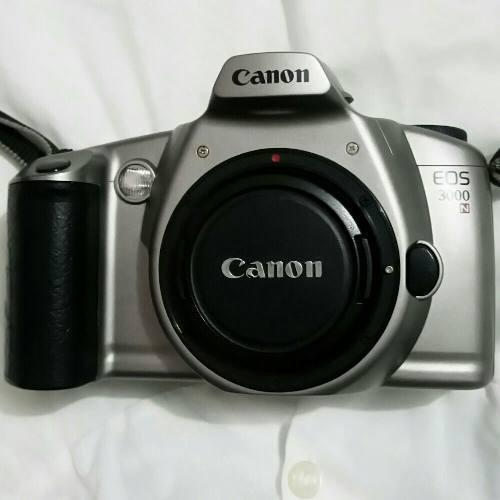 Canon Analogica Eos 3000 Camara Fotografica Sin Lente