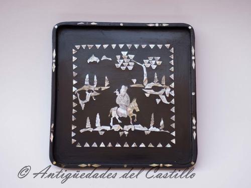 Antigua Bandeja De Madera Y Nacar