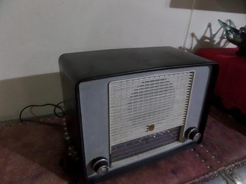 Antigua Radio Phillips A Tubos Bien Conservada