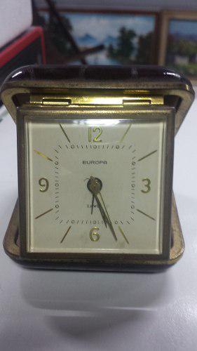 Antiguo Reloj De Viaje A Cuerda Con Su Estuche-tienda Propia